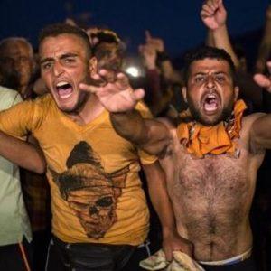 ΕΠΙΚΙΝΔΥΝΟΙ: Πήγαν να περάσουν στην Βουλή εν μέσω πανδημίας την αναγνώριση εθνικών μειονοτήτων στην Ελλάδα!
