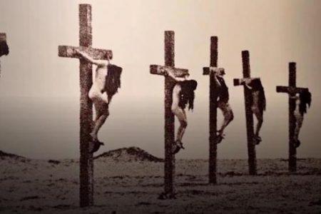 Οι «σταυρωμένες Αρμένισσες» και τα σοκαριστικά βασανιστήρια των Τούρκων: Πώς τιμωρούσαν όσες δεν αλλαξοπίστησαν (βίντεο).