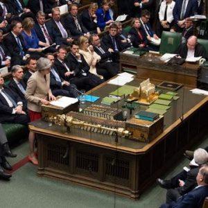 EE: Πιθανό Το Brexit Χωρίς Συμφωνία- Βυθισμένη Στο Χάος Η Βρετανία