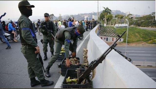 Λίγο Πριν Τον Εμφύλιο Η Βενεζουέλα-Video Σοκ Με Στρατιώτες Να Συλλαμβάνουν… Στρατιώτες