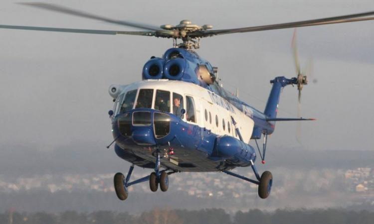 Ελικόπτερο μπλέκεται σε ηλεκτρικά καλώδια και δύο άνθρωποι πέφτουν στο κενό