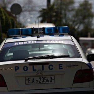 ΠΡΟΣΠΑΘΗΣΑΝ ΝΑ ΤΟ ΚΡΥΨΟΥΝ… Λαθρομετενάστες ΛΗΣΤΕΨΑΝ ΥΠΟΥΡΓΟΥΣ του ΣΥΡΙΖΑ στην Αθήνα…!! Πήραν και τα όπλα από τους Αστυνομικούς Φρουρούς!!!