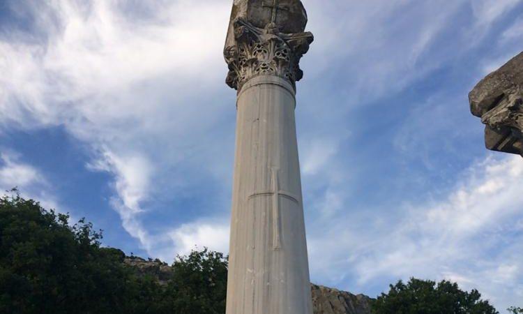 Τους ακούτε ; Και οι Λίθοι Κεκράξονται. Δεν είναι μόνο θαμμένος στην Ελληνικοτάτη Μακεδονία ο Μ. Αλέξανδρος, είναι και ο ΑΠΟΣΤΟΛΟΣ ΠΑΥΛΟΣ;