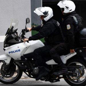 Επίθεση κατά ανδρών της ομάδας ΔΙΑΣ στα Εξάρχεια – Τραυματίστηκε αστυνομικός