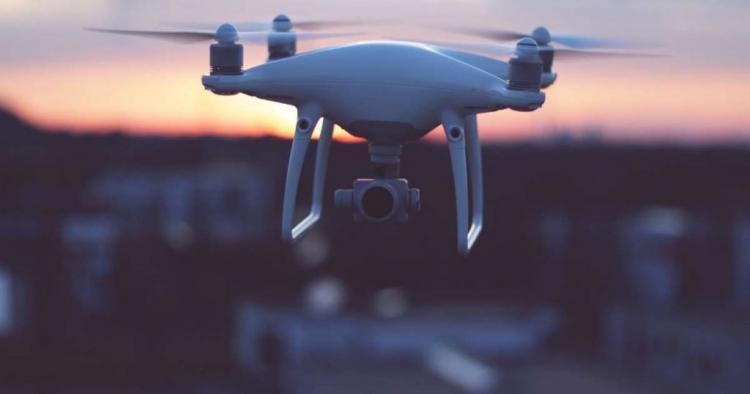 Drone εντόπισε περίεργα γεωμετρικά αντικείμενα να «κολυμπούν» στον νότιο Ειρηνικό
