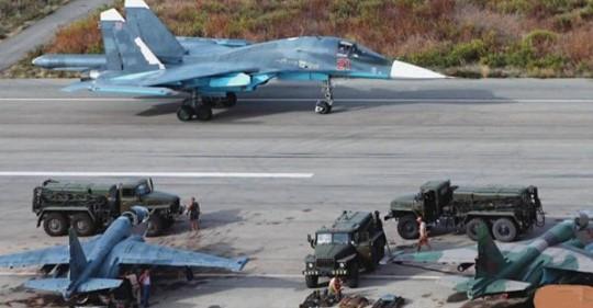 Καταιγίδα Οπλισμένων Drone Έπληξε Την Μεγάλη Ρωσική Αεροπορική Βάση Στην Συρία – Επιχείρησαν Να Κτυπήσουν Su-35 & Su-30