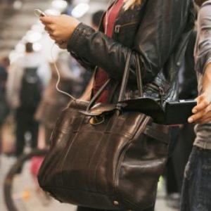 Συνέλαβαν πορτοφολάδες στη Βικτώρια που έχουν συλληφθεί δεκάδες φορές και αφήνονται ελεύθεροι