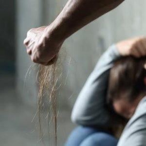 Φρικιαστική υπόθεση στην Ηλεία: Ανήλικη βιαζόταν επί τρία χρόνια από τον αδελφό και τον θείο της