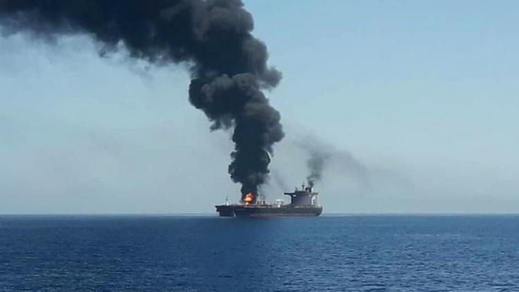 Σοκ με τις αποκαλύψεις: «Η Σ. Αραβία χτύπησε τα τάνκερ στο Κόλπο του Ομάν» – Παρέμβαση Πούτιν για την κόντρα Ιράν-ΗΠΑ