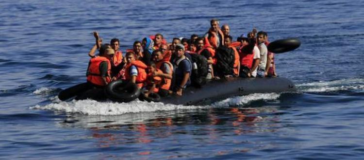 Η χώρα χωρίς σύνορα: 13 λέμβοι με αλλοδαπούς μέσα σε 30′ μπήκαν στην Ελλάδα και έκαναν απόβαση στην Λέσβο!