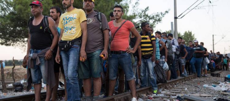 Έφοδος αλλοδαπών στη Μαλακάσα: Kατέλαβαν τις γραμμές του ΟΣΕ – Ξένα ΜΜΕ: «Οι Έλληνες θα ζήσουν δραματικό χειμώνα» (upd)