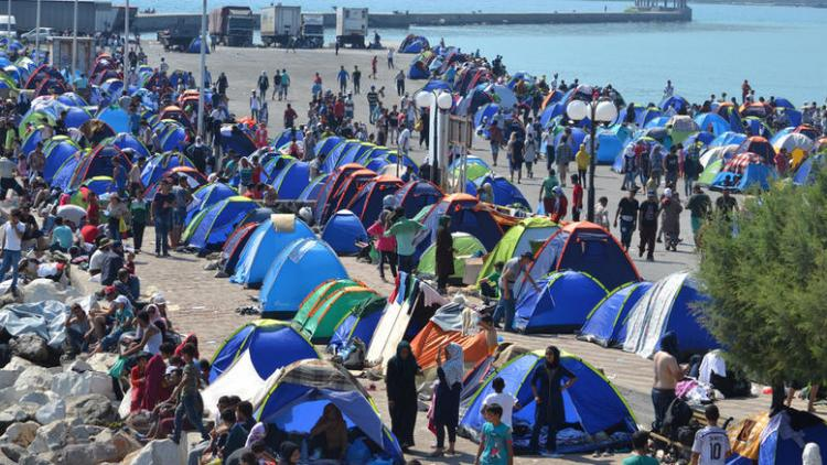 Κηρύξτε ΤΩΡΑ τη Χώρα σε έκτακτη κατάσταση ανάγκης . 6.000.000 μετανάστες και πρόσφυγες αντικαθιστούν τον πληθυσμό . Ιδού οι αποδείξεις .