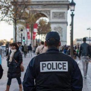 Παρίσι: Άνδρας επιτέθηκε με μαχαίρι σε αστυνομικούς – Tέσσερις νεκροί! (βίντεο) (upd)