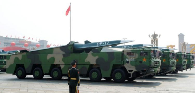 DF-17: Η Κίνα αποκάλυψε νέο υπερηχητικό βαλλιστικό πύραυλο [pics,vid]