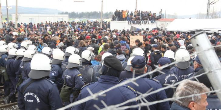 Συγκεντρώστε 1.000.000 λαθραίους στα Ελληνοσκοπιανά ΣΥΝΟΡΑ . Τα υπόλοιπα δική μας δουλειά !