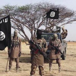 Ντοκουμέντο: Τρομοκράτης του «ισλαμικού κράτους» ποζάρει στο μνημείο του άγνωστου στρατιώτη (φώτο)