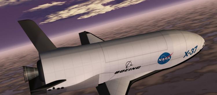 Επέστρεψε το αμερικανικό Χ-37Β μετά από 718 ημέρες! – Kανείς δεν γνωρίζει τι έκανε δύο χρόνια στο Διάστημα!