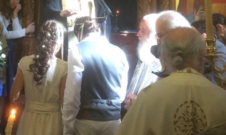 ΕΜΦΑΝΙΣΗ του Πατρός Κωνσταντίνου Στρατηγόπουλου μετά την κοίμηση του στο γάμο πνευματικών του παιδιών;