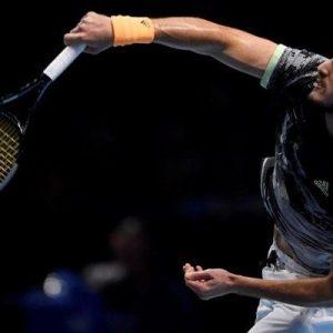 Μεγάλες στιγμές στο Λονδίνο! Το σήκωσε ο Τσιτσιπάς: Νίκησε τον Τιμ στον τελικό του ATP