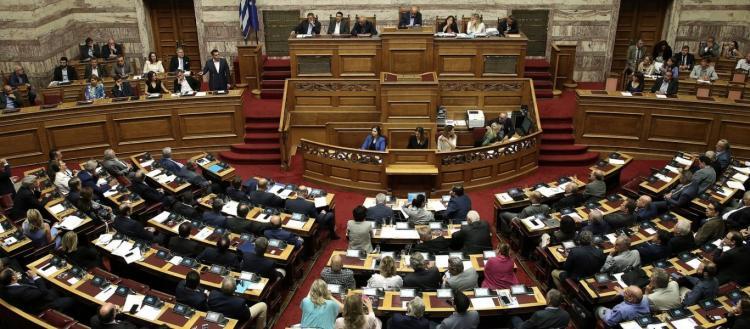 Συνταγματική Αναθεώρηση: Πέρασαν η ψήφος των αποδήμων και η εκλογή ΠτΔ