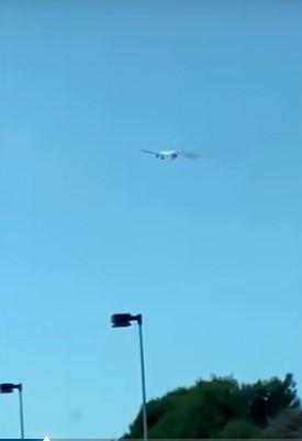 Λος Άντζελες: Boeing 777 έβγαζε φωτιές από τους κινητήρες και υποχρεώθηκε σε αναγκαστική προσγείωση