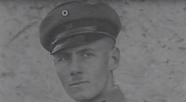 Έρβιν Ρόμελ: Ο αξιωματικός που κυνηγήθηκε από τον Χίτλερ – Ο μυστηριώδης θάνατος και τα τελευταία του λόγια που συγκλονίζουν (ΒΙΝΤΕΟ)