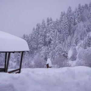 Καιρός: Στη δίνη της «Ζηνοβίας» – Χιονοπτώσεις και χαμηλές θερμοκρασίες σε όλη τη χώρα