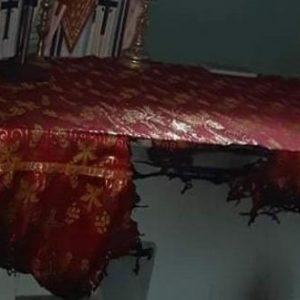 Χίος: Μουσουλμάνοι έποικοι προσπάθησαν να πυρπολήσουν εκκλησία – Έκαψαν την Αγία Τράπεζα (βίντεο)