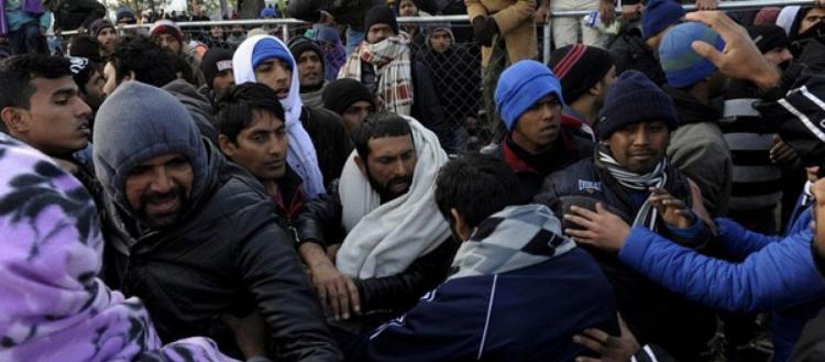 Ελεύθερα θα πηγαινοέρχονται οι αλλοδαποί στην Ελλάδα το 2020 – Ακόμα και αυτοί που εκκρεμεί η αίτηση παραμονής τους