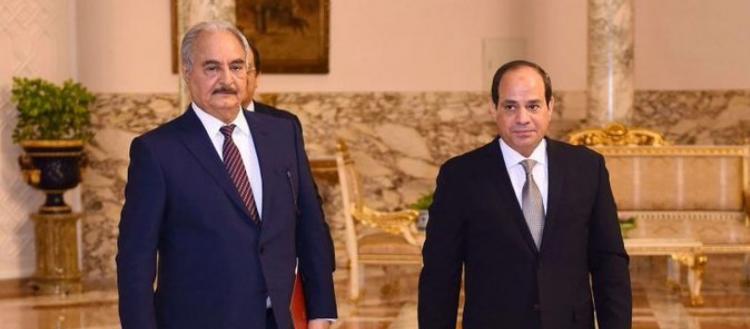 Ο Χ.Χάφταρ συναντάει τον Α.Σίσι: «Βομβάρδισε τα αεροδρόμια της Τρίπολης να σταματήσει η τουρκική βοήθεια στο καθεστώς»