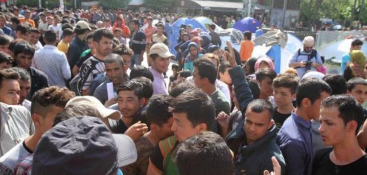 Δράμα: Αλλοδαποί παράνομοι μετανάστες εισέβαλαν σε εκκλησία και απείλησαν τον ιερέα με σουγιά!