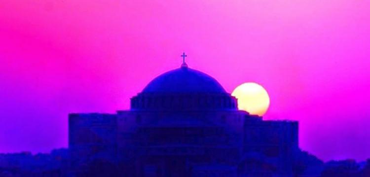 Ο αντίχριστος ταξιδεύει μεταξύ Νέας Υόρκης- Μόσχας – ΠΟΛΗΣ και Ιεροσολύμων( ενδιάμεσα κάνει στάσεις στην Ρώμη)