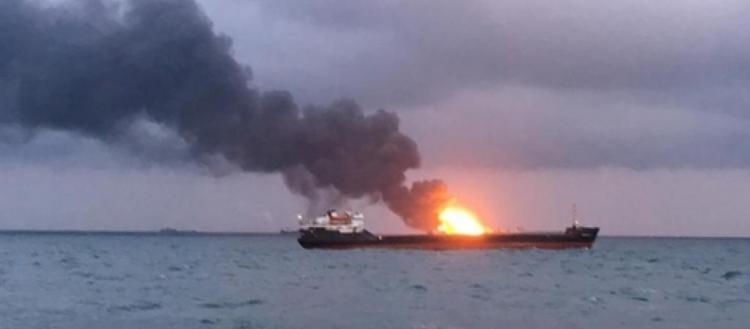 Μαχητικά αεροσκάφη του LNA βομβάρδισαν πλοίο που μετέφερε τουρκικά όπλα (βίντεο)
