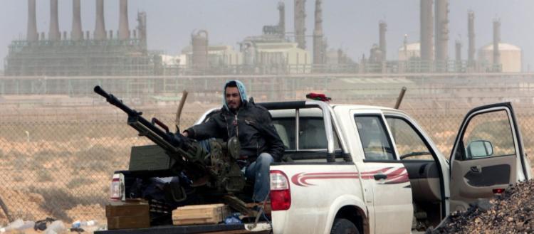 Ο Χαφτάρ έκλεισε τις κάνουλες του πετρελαίου και πιέζει – 50% κάτω η παραγωγή