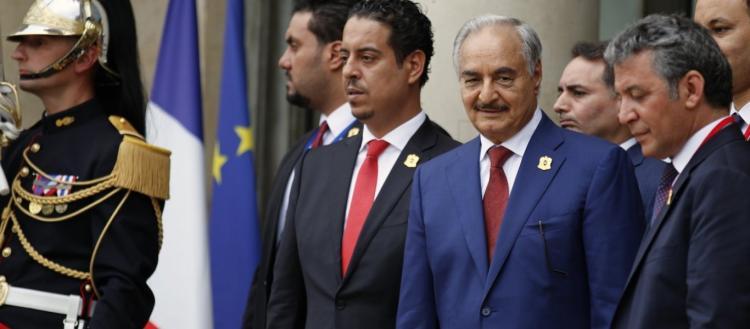 Άσχημη εξέλιξη: Ο Χ.Χάφταρ θα υπογράψει κατάπαυση του πυρός; – Ο Σάρατζ μένει μαζί & το τουρκολιβυκό μνημόνιο