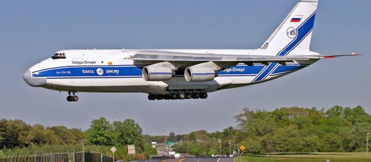 Ρωσία σώζει Ιταλία: Το 10ο αεροσκάφος της ρωσικής Αεροπορίας με τόνους φαρμάκων, εξοπλισμό και γιατρούς στο Μιλάνο!