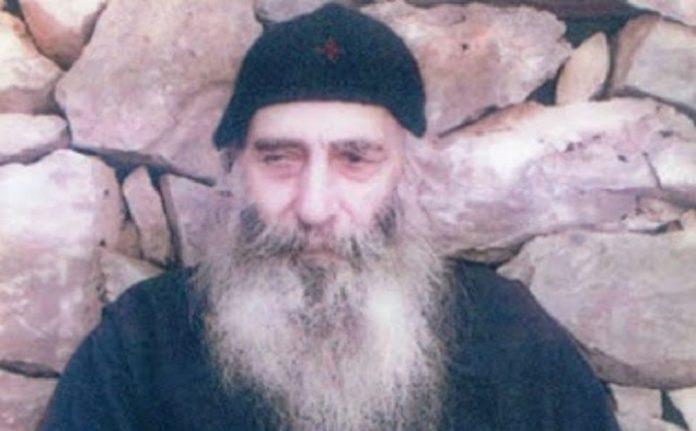 """Βασίλειος Καυσοκαλυβίτης το 2011 : """"θα κλείσουν τις εκκλησίες και την θεία κοινωνία θα γίνει σε στερεά μορφή και σφραγισμένη, μάλιστα για να μην κολλάνε αρρώστιες οι πιστοί.."""""""