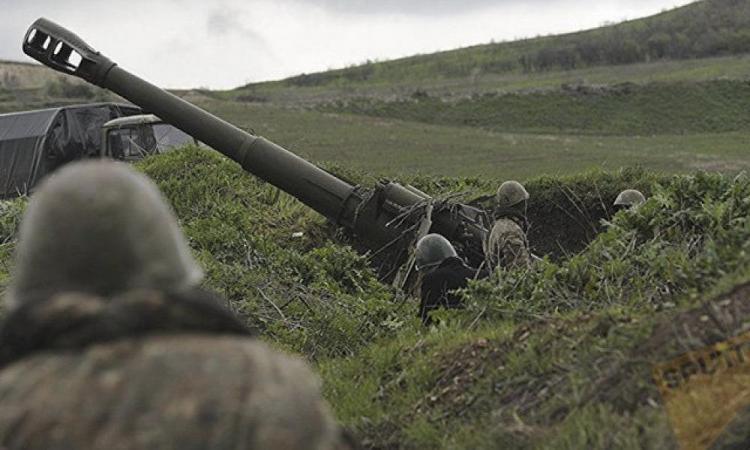 """Οι Αζέροι βομβαρδίζουν αμάχους στο Αρτσάχ – Kommersant: """"Ο ίδιος ο Ακάρ έλεγχε τις επιθέσεις των Αζέρων""""."""