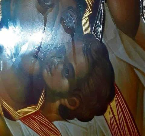 Η Υπεραγία Θεοτόκος κλαίει για τα χάλια κάποιων πνευματικών ταγών που έκαναν εργόχειρο τον κατασκανδαλισμό;