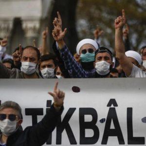 Ξεσηκωμό μουσουλμάνων στην Ευρώπη υποκινεί η Τουρκία – Ραγδαίες εξελίξεις μέσα στην Γαλλία (vid).