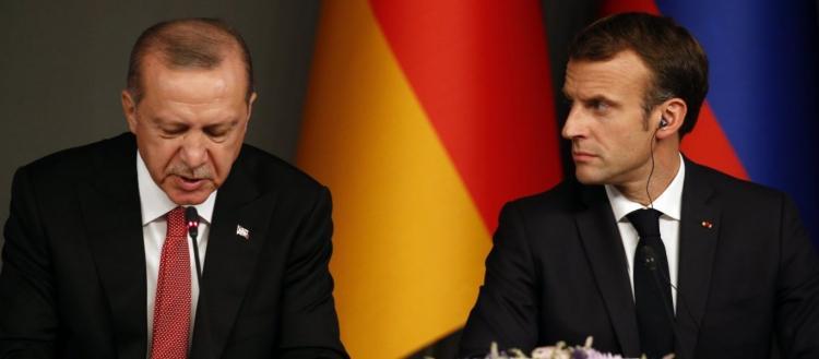 Στο «κόκκινο» οι γαλλοτουρκικές σχέσεις – Ερντογάν: «Η Ευρώπη θα πέσει εκ των έσω – Άνοιξε μέτωπο με τους μουσουλμάνους»