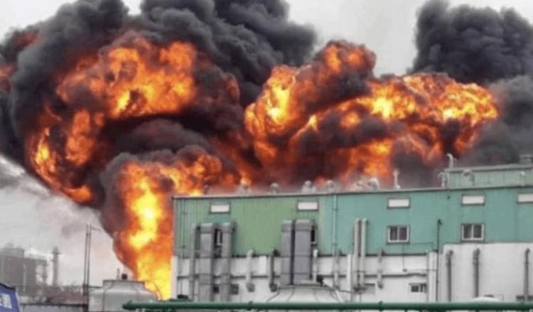Καταστροφή του δεύτερου μεγαλύτερου εργοστασίου σε παραγωγή υδροξυχλωροκίνης. Τυχαίο; Δε νομίζω.