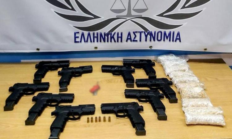 Συναγερμός στον Έβρο: Κατάσχεση όπλων made in Turkey.