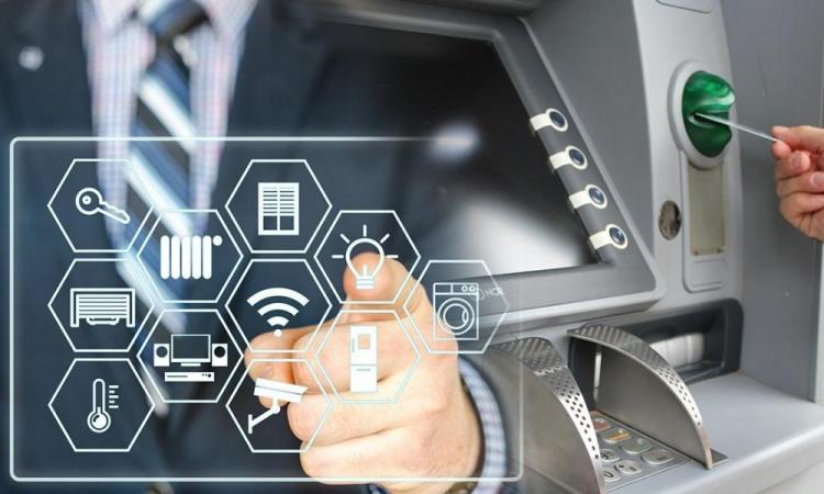 Καταργούνται τα ταμεία στις τράπεζες: Ψηφιακά όλες οι συναλλαγές.