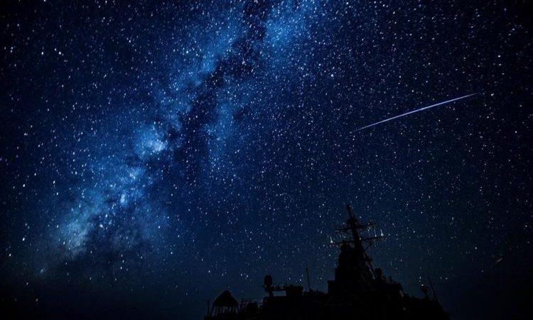 Παράξενο θέαμα στον Καναδά: Κατακόρυφες ακτίνες σημαδεύουν το διάστημα.