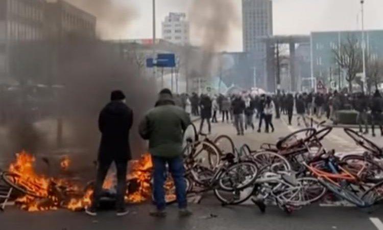 «Εμφύλιος πόλεμος», λέει Ολλανδός δήμαρχος! Η Ευρώπη χάνει τον έλεγχο, vid.