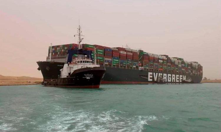 Το πλοίο που μπορεί να τινάξει την οικονομία στον αέρα.