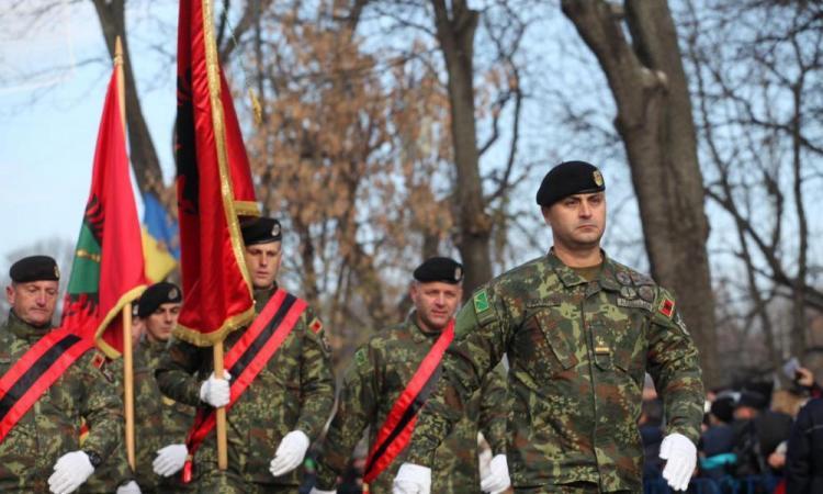 """Έρχεται διαμελισμός των Βαλκανίων: 'Εγγραφο-""""βόμβα"""" για δημιουργία της """"Μ. Αλβανίας""""./ΕΕ: Διπλωματικό θρίλερ με non paper-«φάντασμα» για ένωση του Κοσόβου με την Αλβανία και διάλυση της Βοσνίας-Ερζεγοβίνης ."""