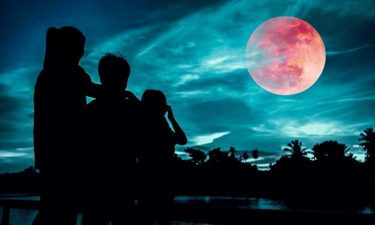 Μερικοί βλέπουν να έρχεται το «Super Blood Moon» ακολουθούμενο από ένα «Ring of Fire» ως σημάδι των ΄Eσχατων καιρών.