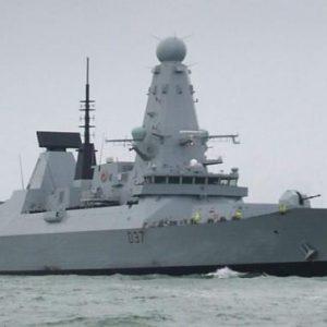 Στο απροχώρητο οι σχέσεις Βρετανίας-Γαλλίας… Πολεμικά πλοία στη Μάγχη./Διατηρείται η ένταση στη Μάγχη – Πολεμικά πλοία και από τη Γαλλία.